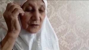 """KIRGIZİSTAN'DA YAŞAYAN UYGUR NİNE: """"AİLEMDEN 35 KİŞİ KAYIP!"""""""