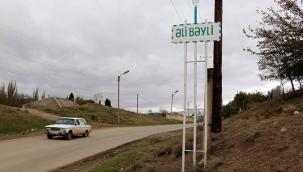 Azerbaycan Türkleri Ermenilere karşı köylerini koruyor.