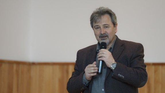 Mahalle Kültürü ve Eğitim - PROF. DR. NECATİ CEMALOĞLU