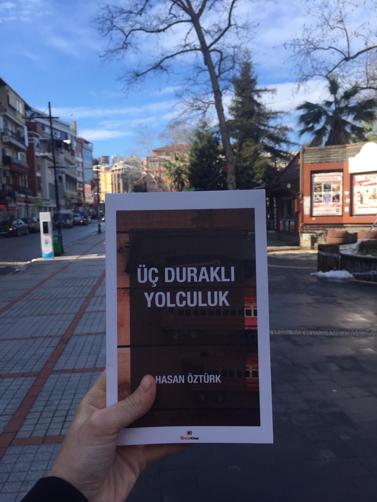 """Hasan Öztürk'ün Yeni Kitabı """"Üç Duraklı Yolculuk"""" Çıktı"""