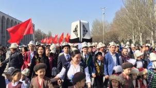 Kırgız Milli Baş Giysisi Kalpak - Yazar: Dastanbek Razak Uulu