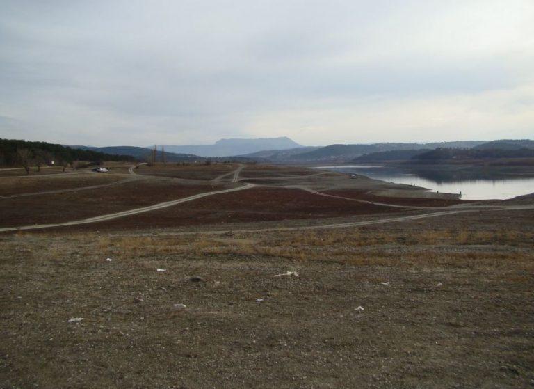 Kırım'da bulunan barajlarda su, kritik seviyeye düştü