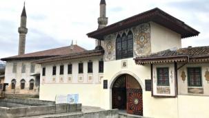 Kırım'da Selim Giray Han'ın kızına ait olduğu tahmin edilen 300 yıllık yüzük bulundu