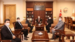 Uluslararası Doğu Türkistan Teşkilatlar Birliği Heyeti'nden TBMM Başkanı Şentop'a ziyaret
