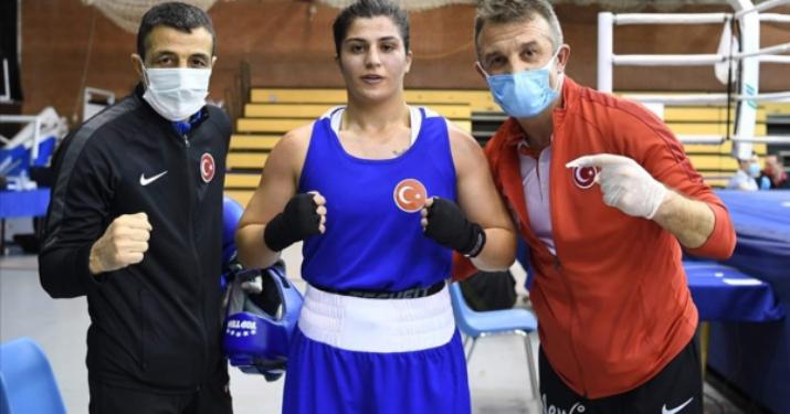Macaristan'da Türkiye fırtınası! Milli boksörlerden 2 altın, 2 bronz madalya