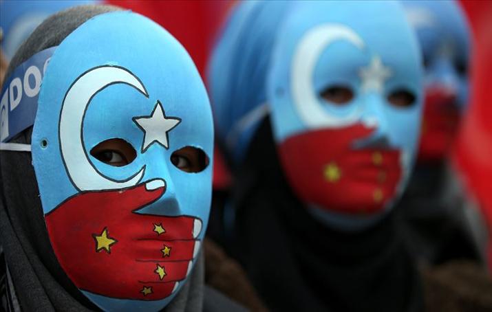 İnsan Hakları İzleme Örgütü, Çin'in Uygur Türklerine karşı insanlık suçu işlediğini belirtti