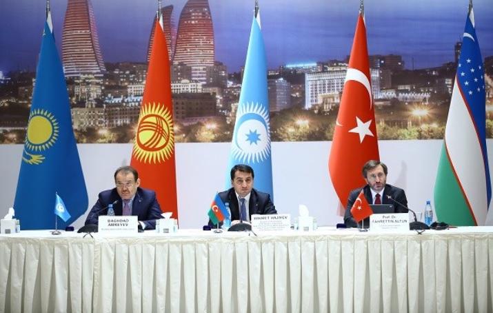 Türk Dünyası medya uzmanları Bakü'de bir araya geldi