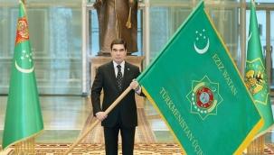 Türkmenistan Cumhurbaşkanı, Anayasa Günü ve Devlet Bayrağı ile yurttaşları tebrik etti