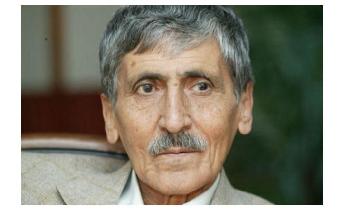 Abdurrahim Karakoç (d. 7 Nisan 1932 / ö. 7 Haziran 2012) - Yazar: DOÇ. DR. MACİT BALIK