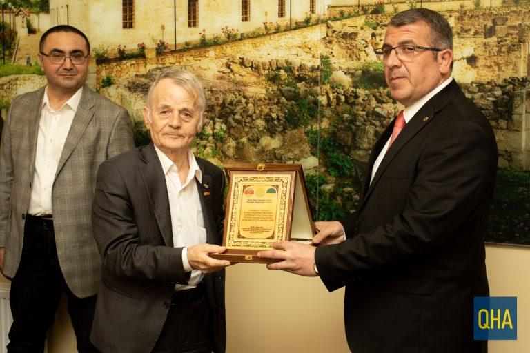Azerbaycan'dan Kırımoğlu'na ödül