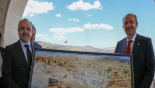 KKTC Cumhurbaşkanı Tatar: Arkamızda güçlü Türkiye var, hiçbir zaman oyuna gelmeyeceğiz!