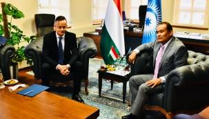 Macaristan Dışişleri ve Ticaret Bakanı Türk Konseyi Sekretaryasını ziyaret etti