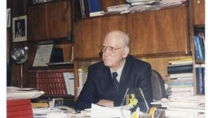 Mehdi Dehkan Yazdı: Prof.Dr Cevad Heyet İran'da ((varlık)) ilk Türkoloji Derginin yöneticisi