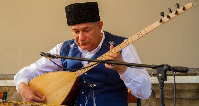 """Anife Bilal'in yazısı: """"Kırım'ın Yerli Müziği"""" kitabı basıldı"""