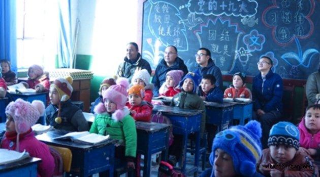 Çin Uygur evlerini işgal emri verdi