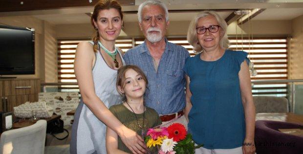 Hakkı Avan yeni şiir kitabını imzaladı