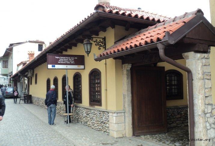 KOSOVA'DA YAŞATILAN 300 YILLIK OSMANLI GELENEĞİ: AŞURE