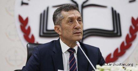 Milli Eğitim BakanıZiya Selçuk eski sisteme dönülüyor