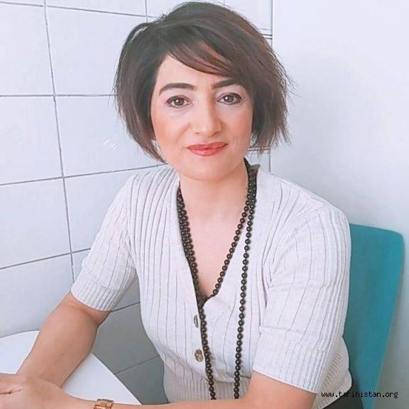 Ünlü medya yazarı ve gazeteci Şeyda Nasipli Azerbaycanlı talabelere seslendi