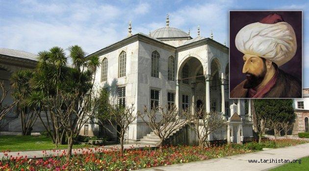 Saraydaki kütüphanenin temelini Fatih attı