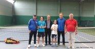 Teniste Manisa'nın Gururu: Oğuz Kağan YENGİN