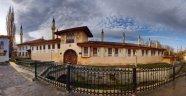 Qırım Hanlarınıñ Sarayı – Hansaray