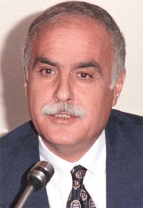 AYVAZ GÖKDEMİR (Doğum tarihi: 1942, Gaziantep Ölüm tarihi ve yeri: 19 Nisan 2008, Ankara)