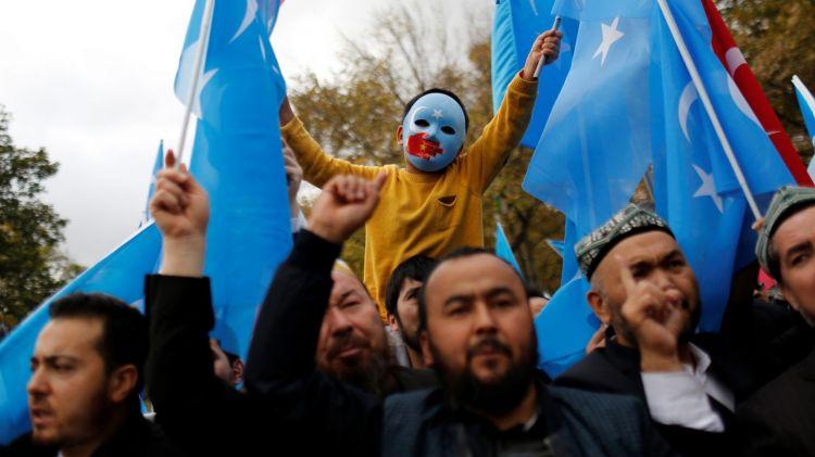 Uygur ve Kazak Türklerinin tutulduğu kamplarda koronavirüs vakaları Çin hükumetince rapor edilmiyor.