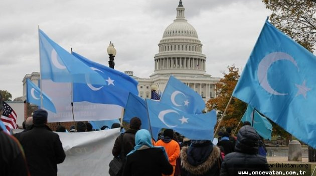 Uygur Türkleri Washington'da Çin'i protesto etti