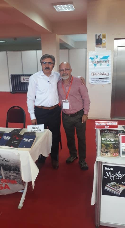 Sanatçı ve yazar Muzaffer Özdemir