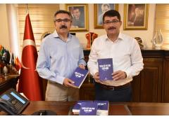 """Yazar Naci YENGİN """"Şehzade Şehir"""" kitabını tanıttı."""